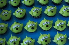 monster cupcakes from http://www.threepugsandababy.com/2005/12/about-us.html#