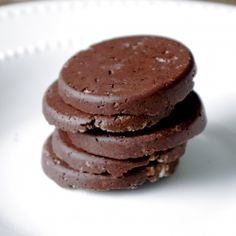 Healthy Protein Packed Thin Mint Cookies - No bake