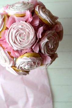 How to Make a Cupcake Bouquet - from @Alaska Madden from Scratch