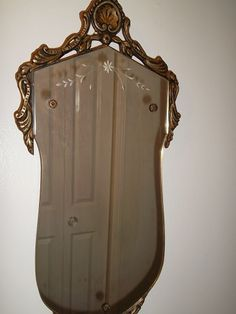 RARE*ANTIQUE VTG VICTORIAN ETCHED WALL MIRROR GILT WOOD FRAME SHELL ROSE BUTTONS