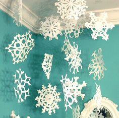 PRINTABLE TEMPLATE: Paper Snowflake Cutting