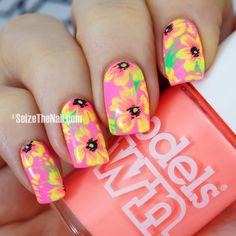 Tropical neon floral nails - SEIZETHENAIL