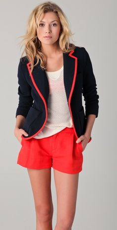 I love this pulled together, preppy look.