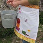35+ Clever Dish Towel Craft Ideas : TipNut.com multiple apron ideas, pillows, bibs, etc
