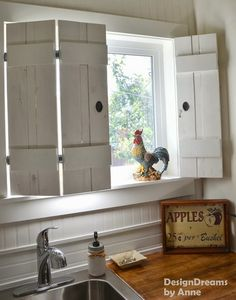 Love these handmade wooden shutters!  Great DIY project and cute decorations for fall!