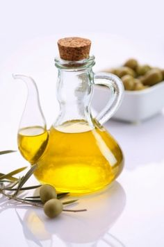 Simple Natural Beauty .. olive oil! for face, for hair, for nails.... for all !!!