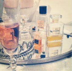 Great way to display perfumes (put on circular mirror)