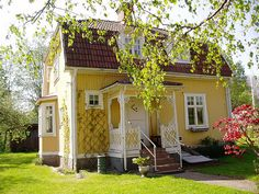 precious yellow cottage - like a play house for grown ups
