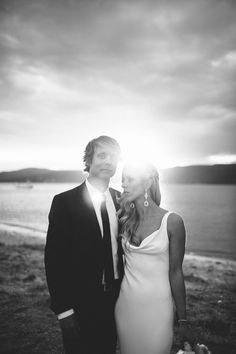 Sun setting on a perfect day, and couple photography by: http://www.timcoulson.com/