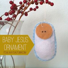 adorable #felt #baby #Jesus #ornament you can make with your kids! so sweet. #DIY #Christmas