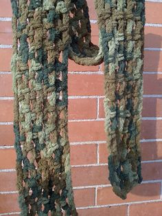 Chenille or Ciniglia-scarf pattern by Lia Govers