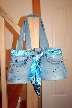 Tutorial about how to make this bag from your old jeans