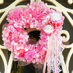 Shabby chic pink door wreath pink christmas, shabbi chic, shabby chic, christma decor, christmas decorating ideas, chic deco, deco mesh wreaths, chic pink, pink wreath