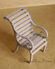Good step-by-step examples of garden furniture made from cardboard, wire and wood. Very inspirational.