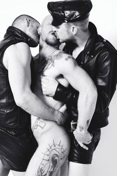 naked leather kiss