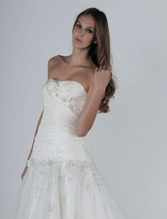 Bridal Gowns: Henry Roth Mermaid Wedding Dress with Strapless Neckline and Dropped Waist Waistline
