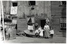 Jewish slums near Elizabeth Street, Toronto, 1910