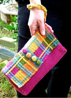 Stitch Story: Plaid Wristlet Purse for Runway Crochet