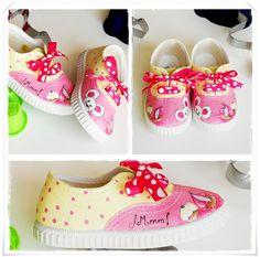 Zapatillas pintadas on pinterest painted shoes disney - Manualidades para adultos ...