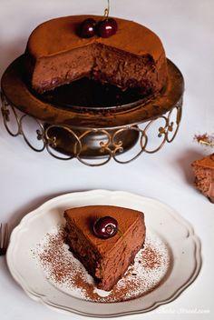 Cheesecake de chocolate y cerezas