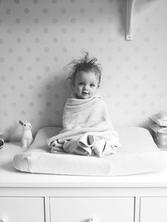 tras el baño crazy hair, babies photography, baby hair loss, baby beds, little ones, baby portraits, kid photos, family pictures hair, bath time