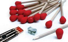 Set de 3 lápices HB con capuchón de goma de borrar. En caja tipo fósforos. Consultas y pedidos a CaprichosElementales@gmail.com