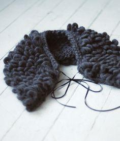 april, style, accessori, handknit collar, collars, fashionable knitting, diy crochet collar, wool, black