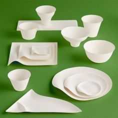 WASARA is a line of single-use, biodegradable and compostable pieces designed to accentuate whatever foods they contain.