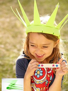 Your crowning glory! See how to make this cool lady liberty crown for #July4th.