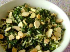 Arroz com espinafre e amêndoas (vegan)