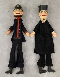 (2) PUNCH & JUDY HAND PUPPETS