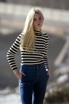 ELLE FANNING TEEN VOUGE PHOTOS | Elle Fanning poses on a Teen Vogue photoshoot in Malibu (April 4, 2014 ...