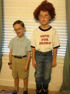 famili, parenting done right, kid costumes, future kids, family halloween costumes, homemade costumes, napoleon dynamite, family costumes, costume halloween