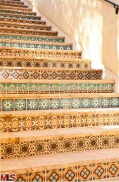 spanish steps- I'd like to use tiles like this for a backsplash in the kitchen