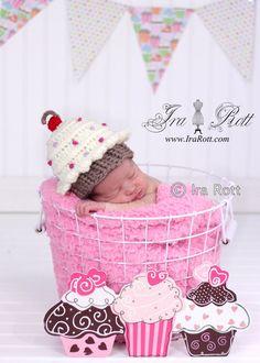 cupcake beanie, animal hats, crochet cupcake pattern, hat patterns, beanie hats, cupcak beani, beani hat