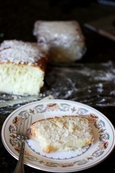 Coconut Pound Cake! Ohhhh does that look good!