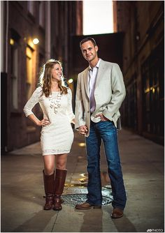 What to wear for engagement photos - love these outfits!  http://www.JoPhotoOnline.com/Blog