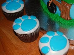 Blues Clues Pawprint Cupcakes