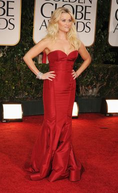 Reese Witherspoon was red hot in a Zac Posen gown for the Golden Globes!