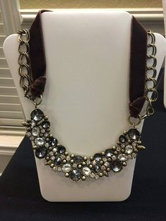 Decadent necklace lets you choose between an interchangeable chain or ribbon! #premierdesigns 2014 Christmas Collection