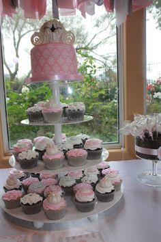 Pink Cinderella Cake & Cupcakes