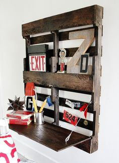 pallet upcycle: diy fold out desk- cute for kid's room