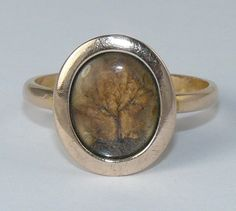 VICTORIAN LADIES GOLD & HAIR MOURNING RING - ARRANGED INTO PATTERN