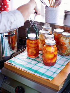 How To: Make Your Own Preserves | http://www.rachaelraymag.com/food-how-to/how-to-make-your-own-preserves/15/
