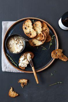 baked camembert dip