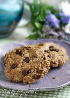 Wonderful gluten-free oatmeal cookies with chocolate chips #cookies #baking #glutenfree