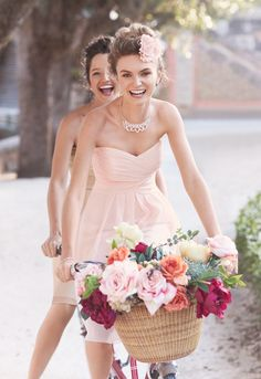 On trend and ultra feminine, this strapless style is great for a bridesmaid and offers plenty of wear-again potential! Style F14847 #davidsbridal #bridesmaid #aislestyle