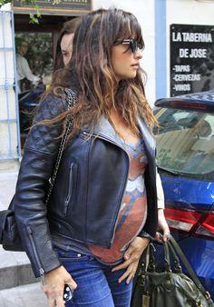 Penelope Cruz Maternity Style #penelopecruz #maternity