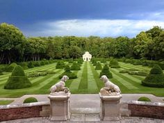 Chateau de Wideville.   #valentino #hautecouture #pfw #jardin