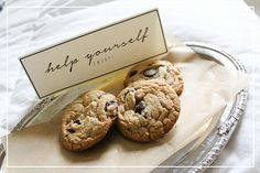 set out fresh cookies for guests & other great hostessing tips